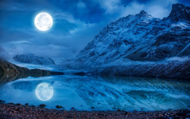 Moonstruck | Night magic